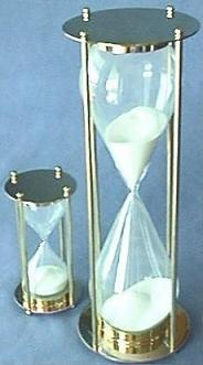 Refillable Hourglasses Available in Two Sizes